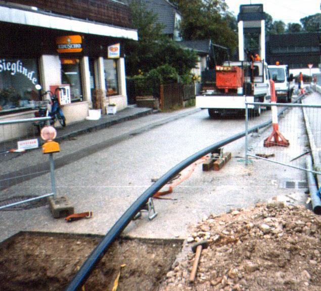 Aufbruch von Rohrleitungen unter einer Straße